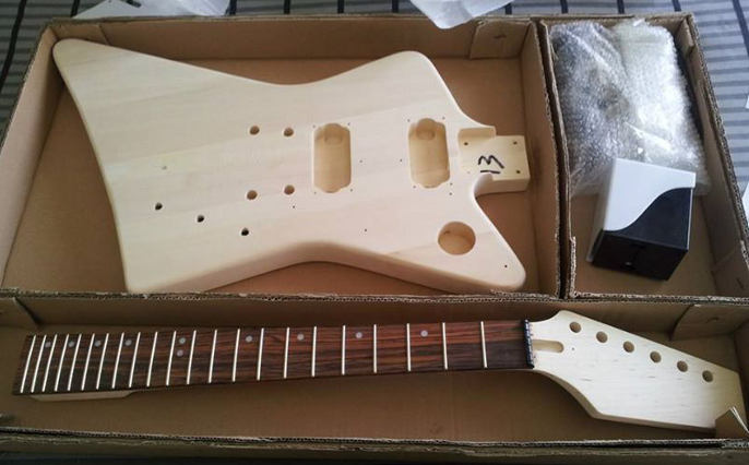 Black Beards den guitar kits