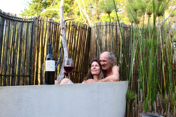 Red wine bath experience
