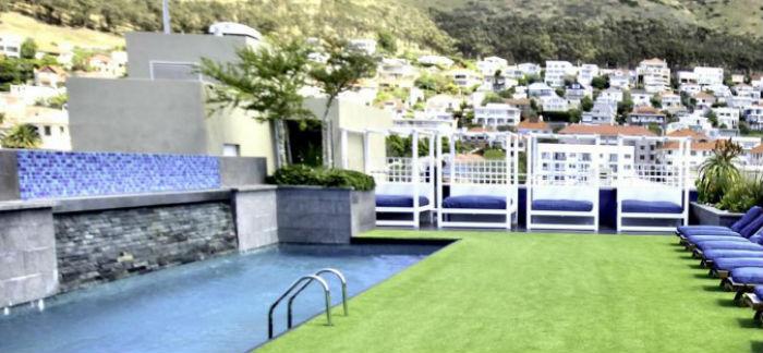 Zenith Sky Bar Pool
